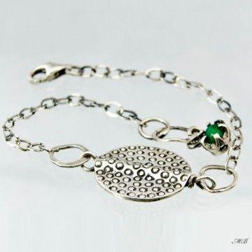 Oryginalna, delikatna bransoletka z jadeitem zielonym . Wykonana ze srebra pr. 925