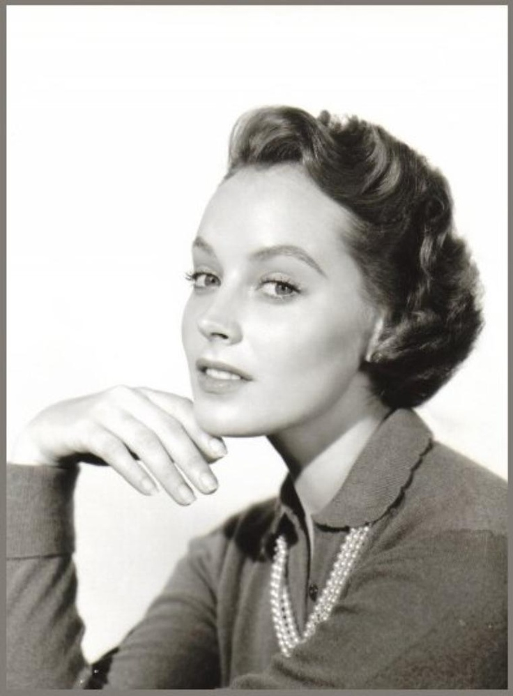 "Victoria SHAW '50-60 (25 Mai 1935 - 17 Août 1988)was an Australian-born American actress.She also made appearances in TV shows including guest-starring in 1966 as Pati Conboy ""the Danzig Lady"" in the second season episode 29, ""Siren Song"" of 12 O-Clock High (TV series). She also appeared in ABC's General Hospital, and Charlie's Angels and NBC's Ironside with Raymond Burr.She died in 1988 from emphysema, in Sydney."