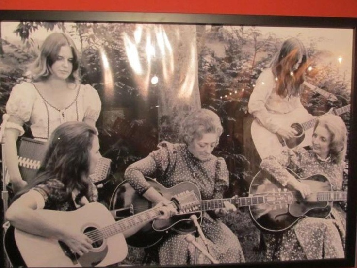 Carter Family. Anita Carter her daughter Lorrie Davis standing above her; Mother Maybelle Carter; Helen Carter and  unknown young lady above her
