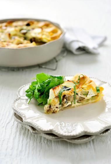 Quiche veggie met feta en basilicum  http://njam.tv/recepten/quiche-veggie-met-feta-en-basilicum