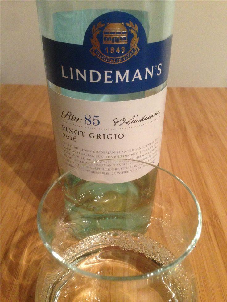 Lindeman's Bin 85 2016 | pinot grigio | australia | 3.00 stars | orchards