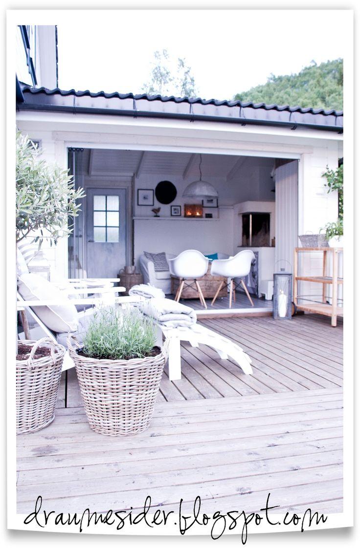 Draumesidene: Kveld på terrassen og i hagestova