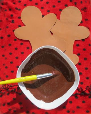 Gingerbread Christmas Craft for Kids- mix cinnamon and brown paint- smells like gingerbread!!