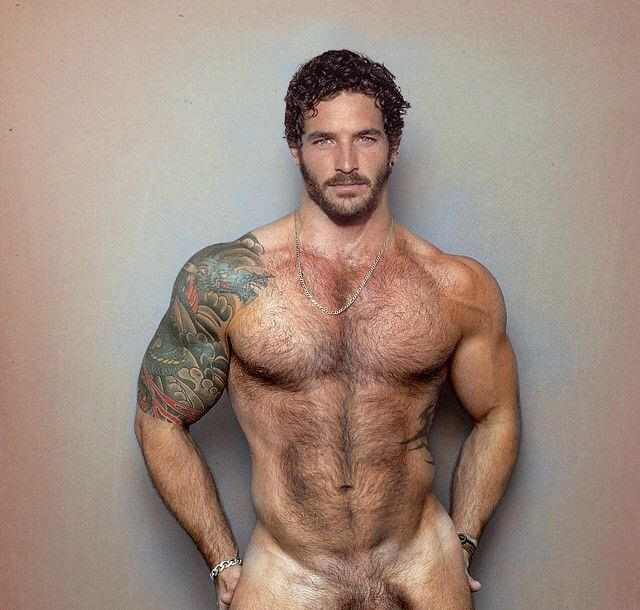 naked-twinks-with-facial-hair-girls-spreading-their-legs-for-sex