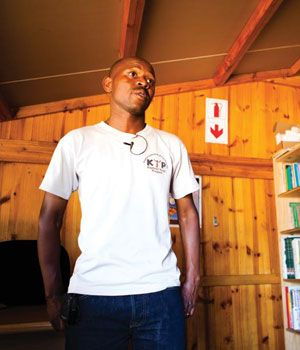 A man from Soweto has made it into the final 10 nominations for CNN's Hero of the Year award. (Pic: Beeld) http://www.news24.com/SouthAfrica/News/SA-man-on-Top-10-CNN-Heroes-list-20121001