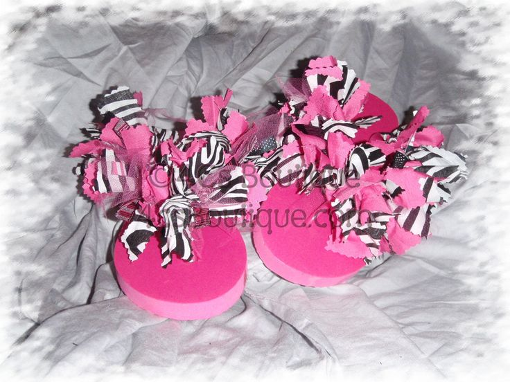 Birthday party craft...  The girls get to make flip flops and bottle cap necklaces for this fun zebra party!