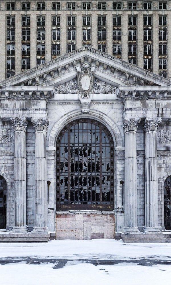 The Ruins of Detroit (600 x 999) abandonedart /u/BlackShadowRose - Imgur