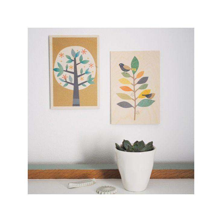 Carte postale en bois, (c) Mini labo, imprimé en Grande Bretagne par Timbergram, bois issu des forêts équitables d'Europe de l'Est