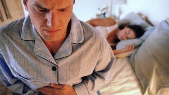 Reflusso gastrico: 14 Rimedi naturali per acidità e bruciori di stomaco