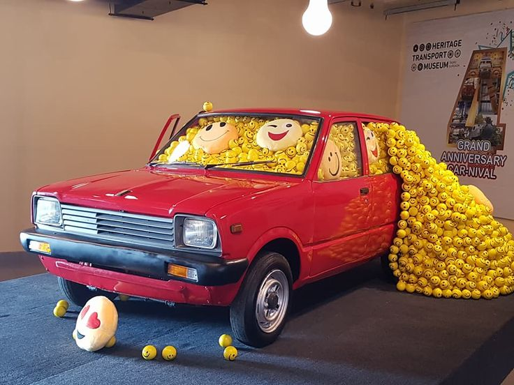 Our smiley tribute to the Maruti 800 on our 4th Anniversary. A car that brought a billion smiles in India.