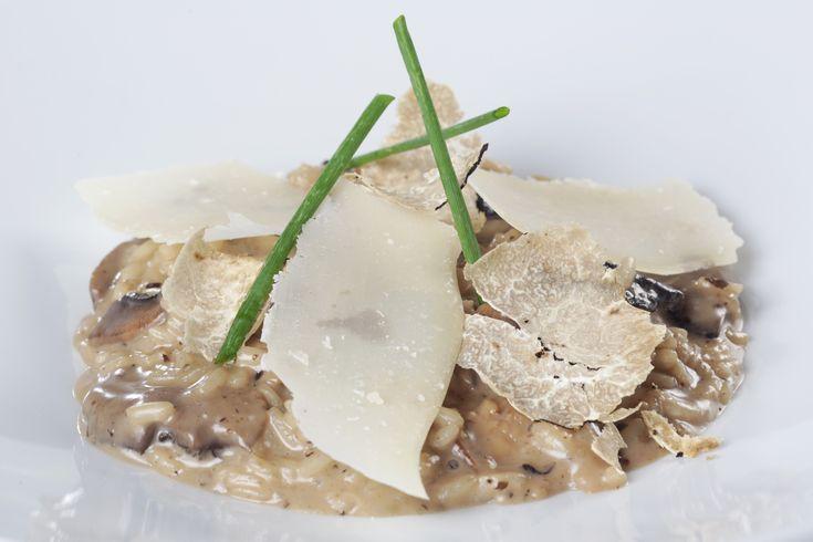 Ριζότο με μανιτάρια από την Αργυρώ Μπαρμπαρίγου | Ριζότο με μανιτάρια, μπέικον και παρμεζάνα. Μία γρήγορη συνταγή, για ένα πεντανόστιμο πιάτο