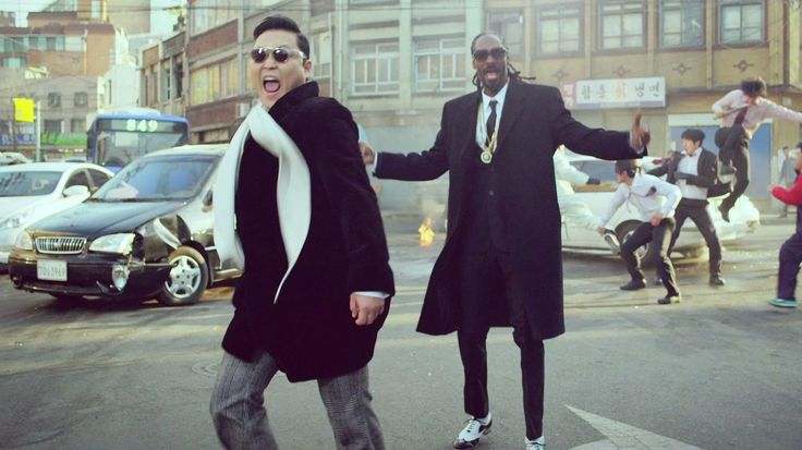 ASeliiik...kocak dah nih si PSY!! Snoop Dog trying to be a Korean Hungover style!! BAHAHAHAA...ude pd liat belom MV-nye ? CEKIBROTT ajaaaaahh!!