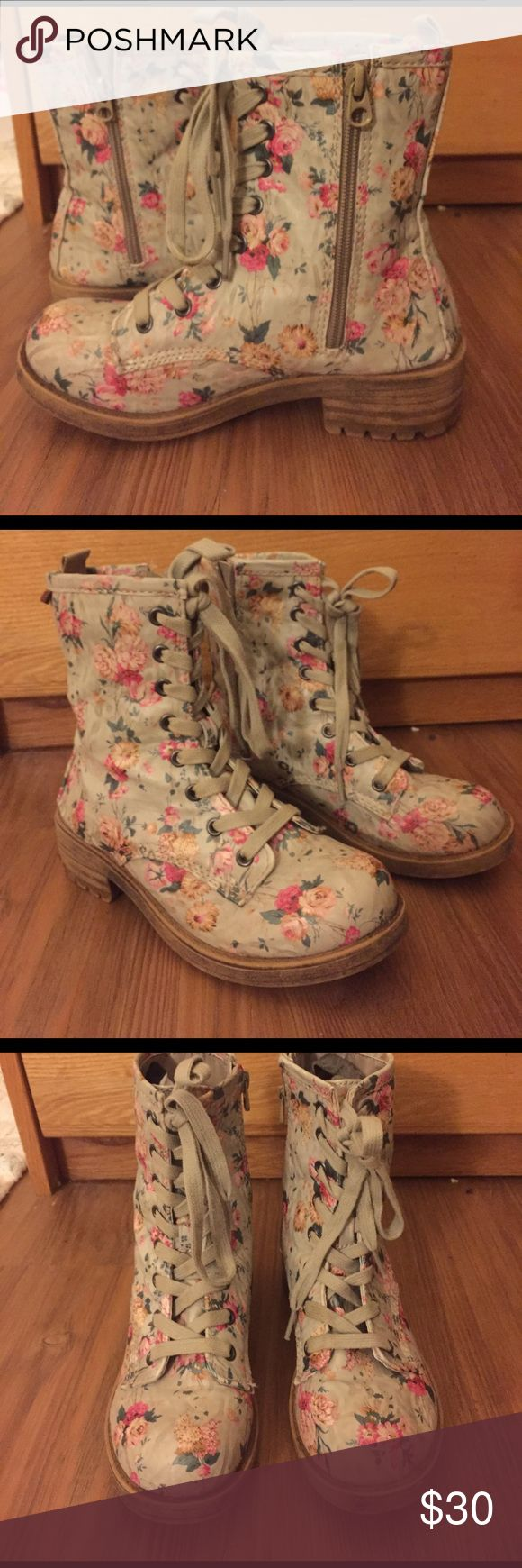 Flower Combat Boots Lightly worn, durable, and cute boots. Thick sole with zipper side for convenience. Big Buddha Shoes Combat & Moto Boots