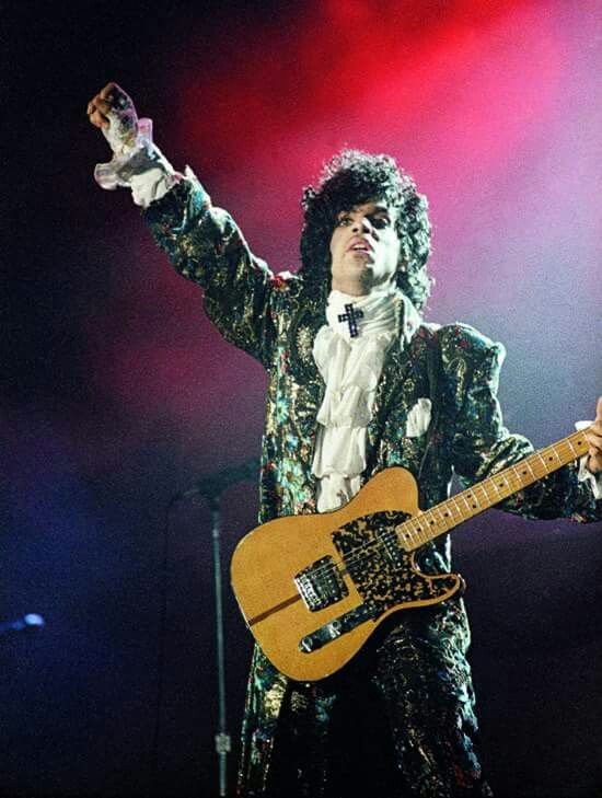 """<3 """" PRINCE: THANK U 4 THA' REVOLUTION """" <3 xxx  """" 'When Doves Cry' came out - it sounded like nothing that was on the radio. 'Let's Go Crazy' was number one on R&B stations, and there's nothing that's been like that on radio since."""" ~ PrinceRogersNelson <3   March 30,  1985  Carrier Dome  Syracuse, New York, USA   - Tha' Band -   <3 Prince (vox, guitar, keyboard), Bobby Z. (drums), Brown Mark (bass), Wendy Melvoin (guitar), Lisa Coleman (keyboards), Dr. Fink (keyboards), Eric Leeds…"""