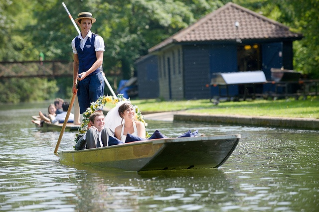 Wedding Punt from Hilton Doubletree Cambridge, via Flickr.