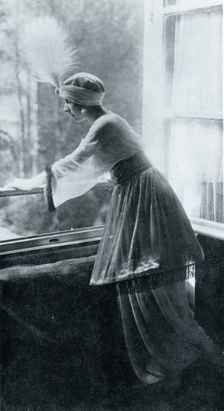 1911 - Denise Poiret at the 1002 night party held by Paul Poiret