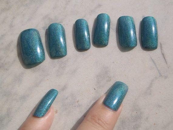 unghie finte verde olografico turchese glitter nail art unghie artificiali smalto glitter verde acqua trending squadrate lasoffittadiste