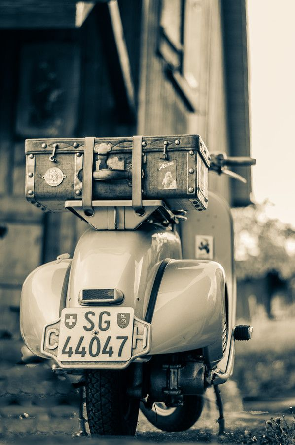 ..._Vespa by Lijana @moto39