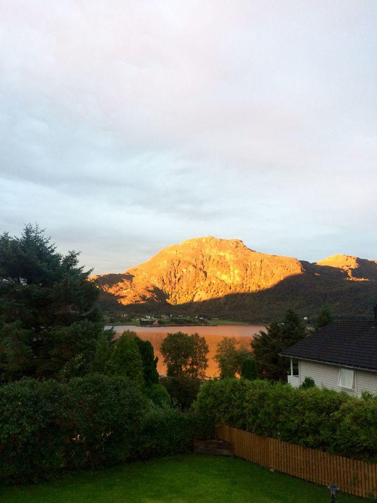 Восход солнца в Норвегии 😍☀️👏🌹🥀