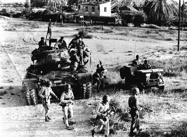 Turkish soldiers are marching to Kyrenia in Turkish Invasion of Cyprus 1974 [600x439]
