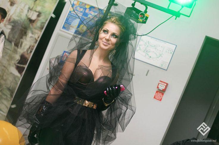 Cele mai creative ținute de Halloween la petrecerea brandului de modă Nikita Rinadi