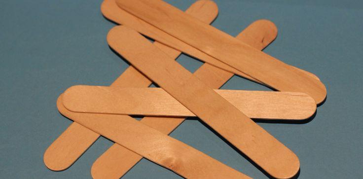 Детские браслеты из деревянных палочек
