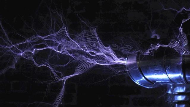 reson8 by Rob Flickenger. 10 cameras + 1 Tesla coil = 70 megapixel bullet time lightning.
