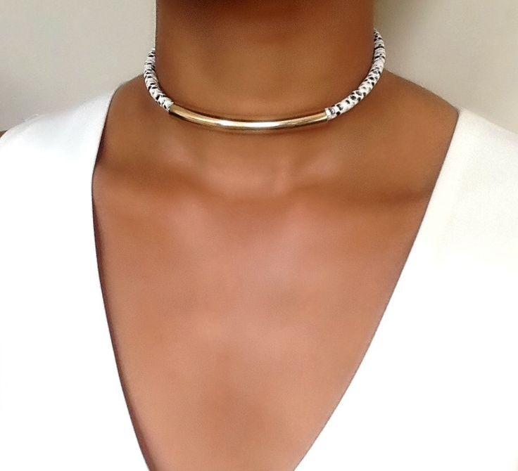 Chokerhalskette - lederhalsband - leder halskette - halskette für Frauen - gold Chokerhalsketten - ethnischen Schmuck von VChristinaCollection auf Etsy https://www.etsy.com/de/listing/275571368/chokerhalskette-lederhalsband-leder