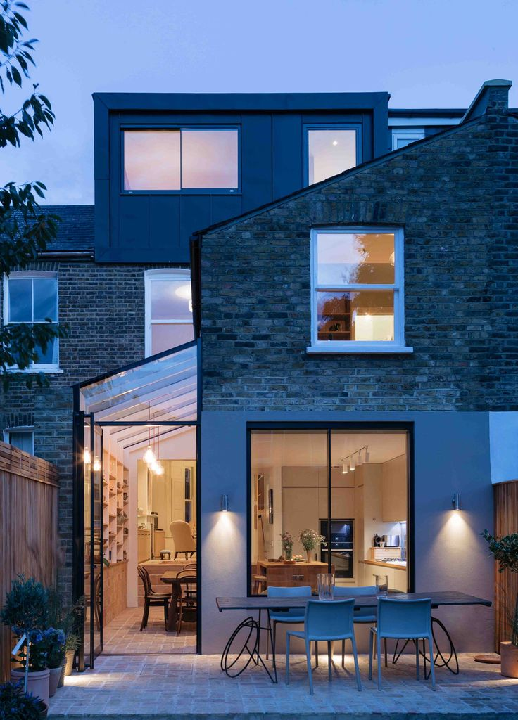 Our design adds a new light filled side extension at ground floor level and a new loft bedroom and bathroom above where there was previously unused roof space. A large open plan living space was created by opening up the front and rear reception rooms, providing ample display space for our...