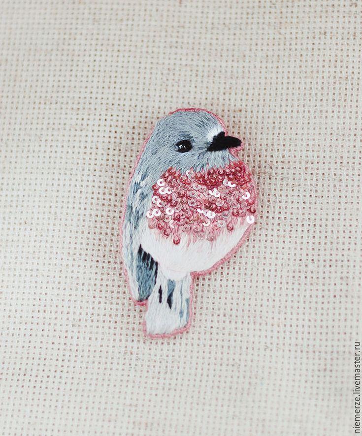 Brilliant breast birdie brooch!