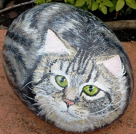 How to Paint Stones: Cat Portrait ~ Even I might be able to follow these directions.