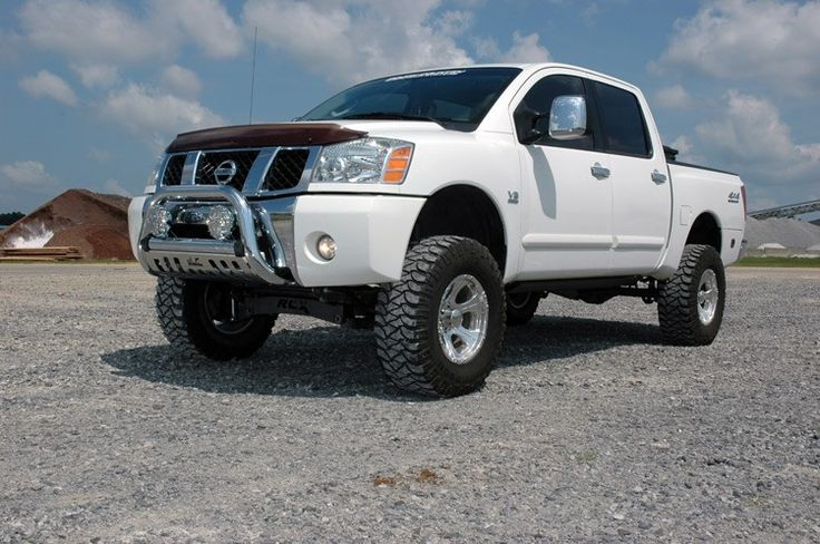 6in Suspension Lift Kit for 04-15 Nissan Titan [875.20] | Rough Country Suspension Systems®