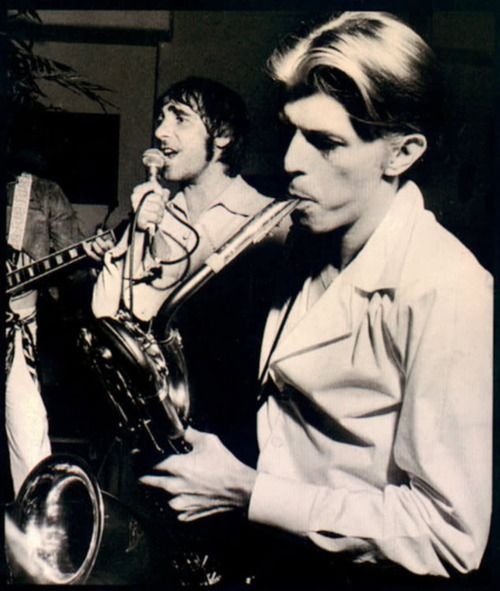 Keith Moon and David Bowie at Peter Sellers' 50th birthday party, 1975