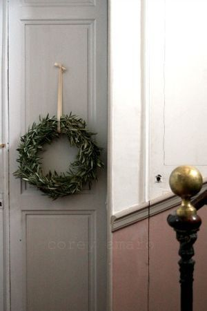 love this simple wreath for everyday decor