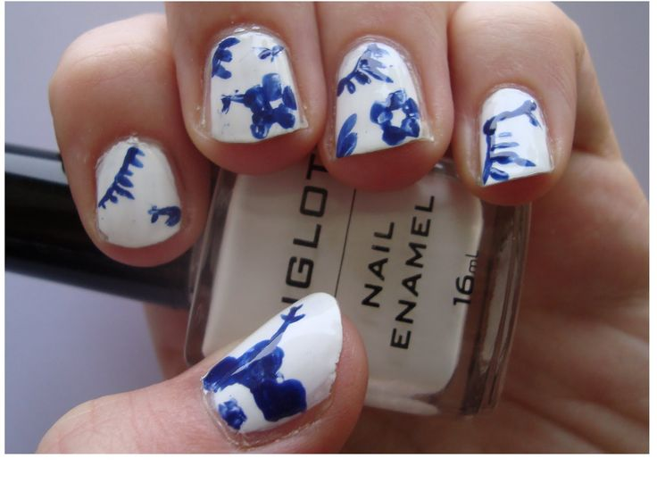 Blue fluted nails... Wow!