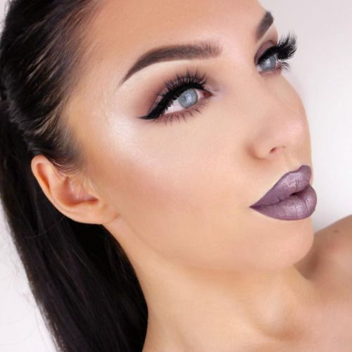 *LOOK* Bold lips with bold eye liner *HOW TO* Eyebrow trimming, plucking, and filling