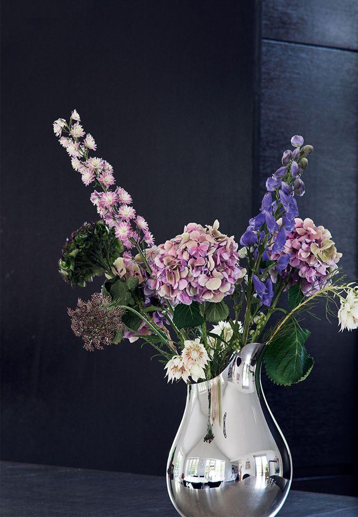 Smuk sølv vase fra Georg Jensen med vilde blomster i