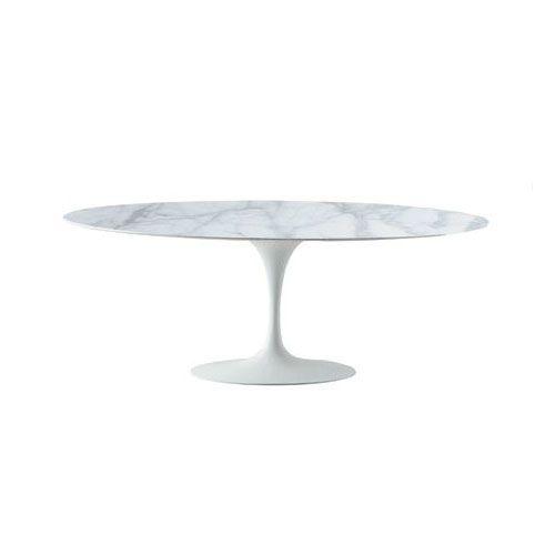 TavoloSaarinen Tulip ovale con piedistallo in fusione di alluminio laccato bianco, nero o alluminio. Piano in: laminato bianco o nero laminato liquido bianco o nero marmo Calacatta oro.
