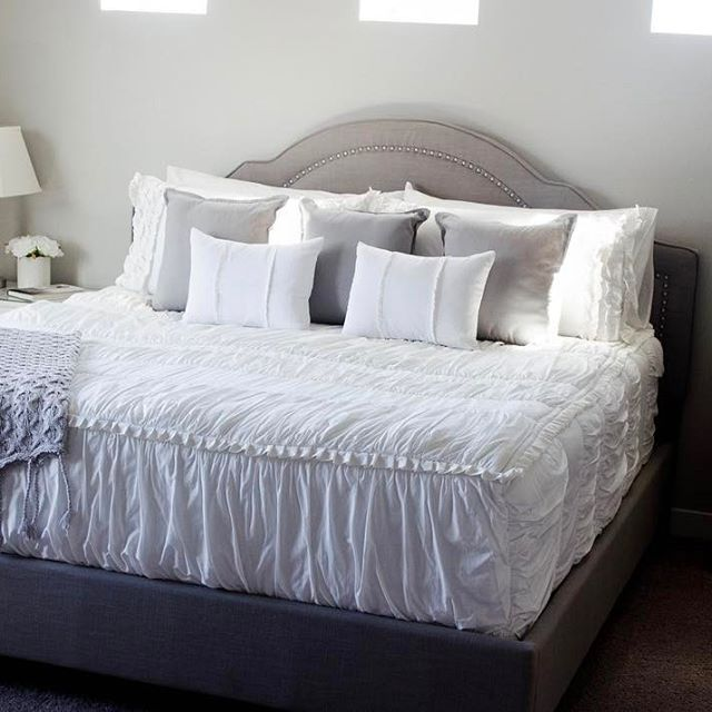 the 25 best king size pillows ideas on pinterest king pillows pillow arrangement and bed. Black Bedroom Furniture Sets. Home Design Ideas