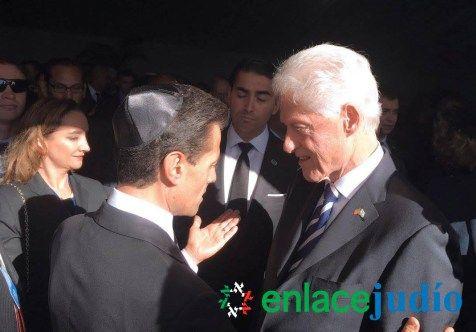 http://www.enlacejudio.com/2016/10/01/las-fotos-enrique-pena-nieto-en-israel-hoy-vuelve-a-mexico/
