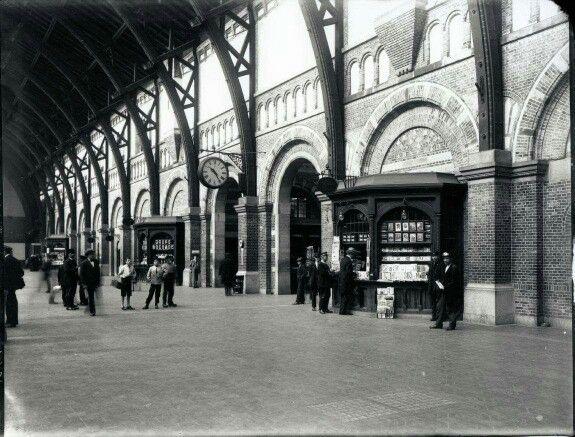 Københavns Hovedbanegård 1918. Foto Peter Elfelt.
