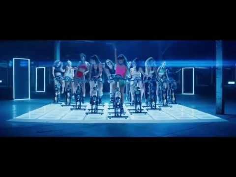 "Ariana Grande Goes ""Side To Side"" With Nicki Minaj In New Music Video - http://oceanup.com/2016/08/29/ariana-grande-goes-side-to-side-with-nicki-minaj-in-new-music-video/"