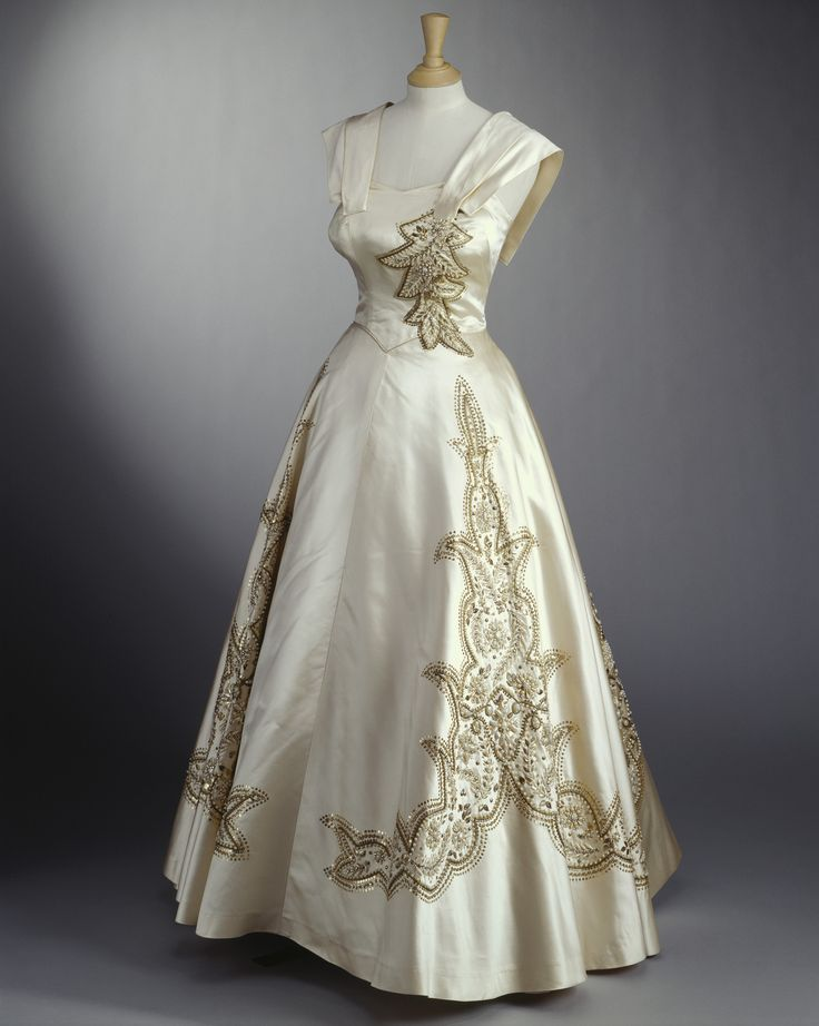 Evening gown, Norman Hartnell, 1951