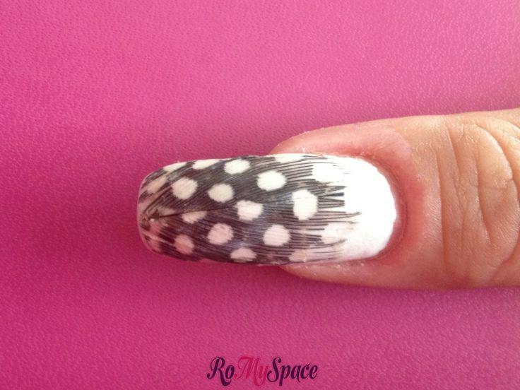 Nail art con le piume | www.romyspace.it
