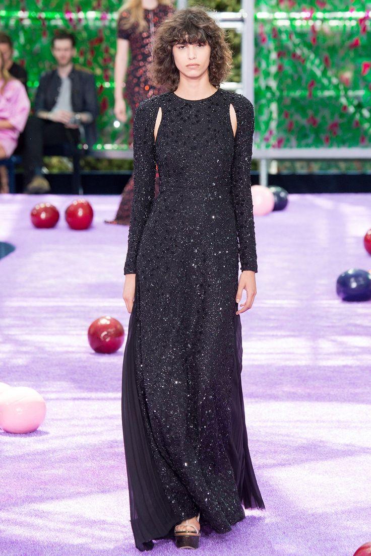 #ChristianDior Automne-Hiver 2015 Haute Couture  Ca, c'est tres interessant, plus simple, elegante
