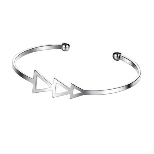 TRIPLE ARROWED CUFF (SILVER)    www.minimalistjewellery.com.au    #minimalistjewelry #minimalistjewellery #minimalist #jewellery #jewelry  #jewelleries #jewelries #minimalistaccessories #bangles #bracelets #rings  #necklace #earrings #womensaccessories #accessories