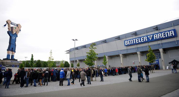 @Paderborn07 Die Benteler-Arena ist ein 15.000 Zuschauer fassendes Fußballstadion in Paderborn, Nordrhein-Westfalen, und seit der Saison 2008/09 Heimspielstätte des Fußballvereins SC Paderborn 07. #9ine