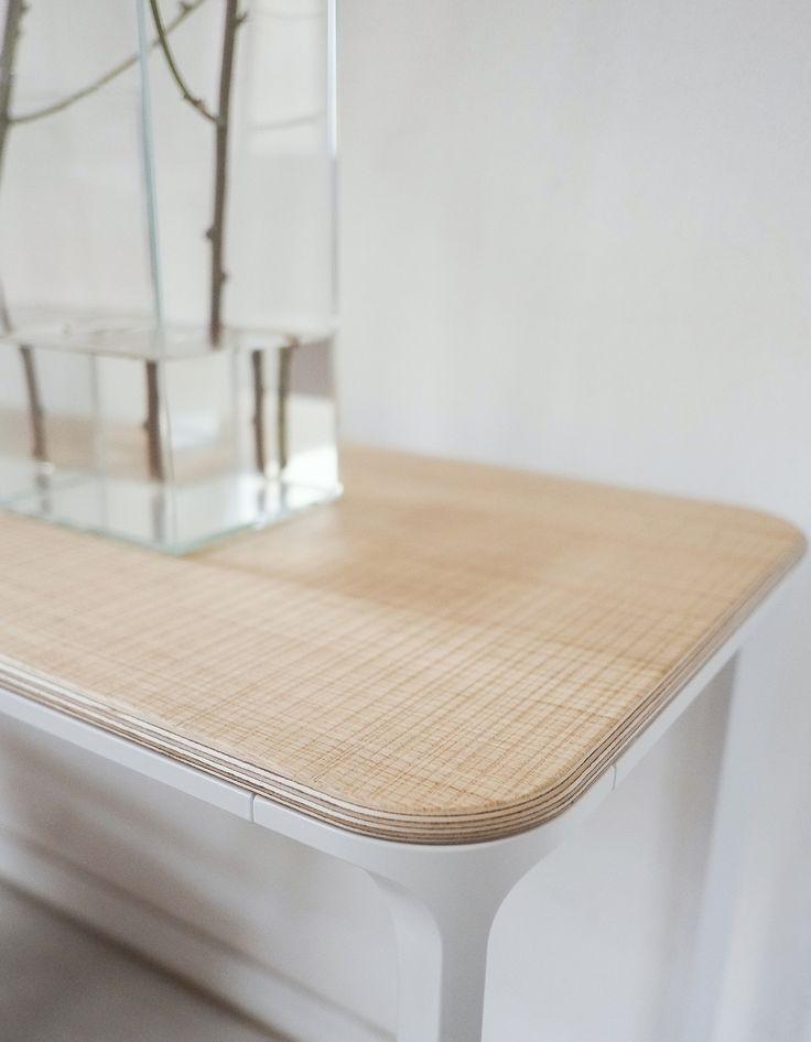 Slim wood console, with saw cut oak finish