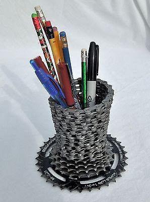 ¿Cómo se recicla: Neumáticos viejos como macetas de flores