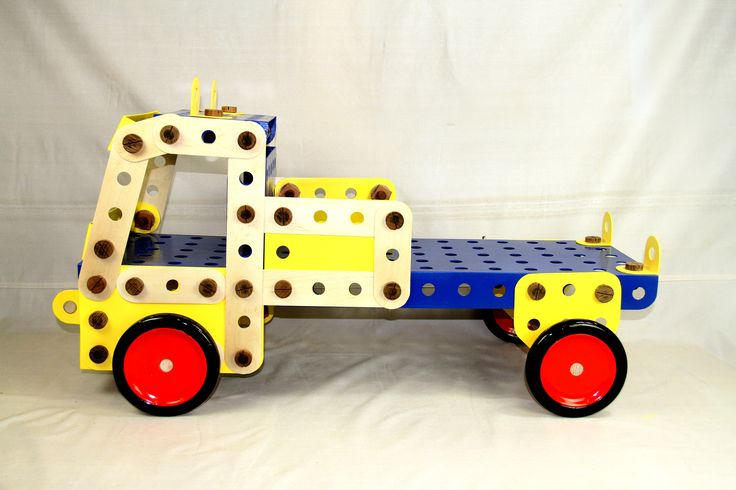 Big Meccano set sculpture by John Abery Sculptor